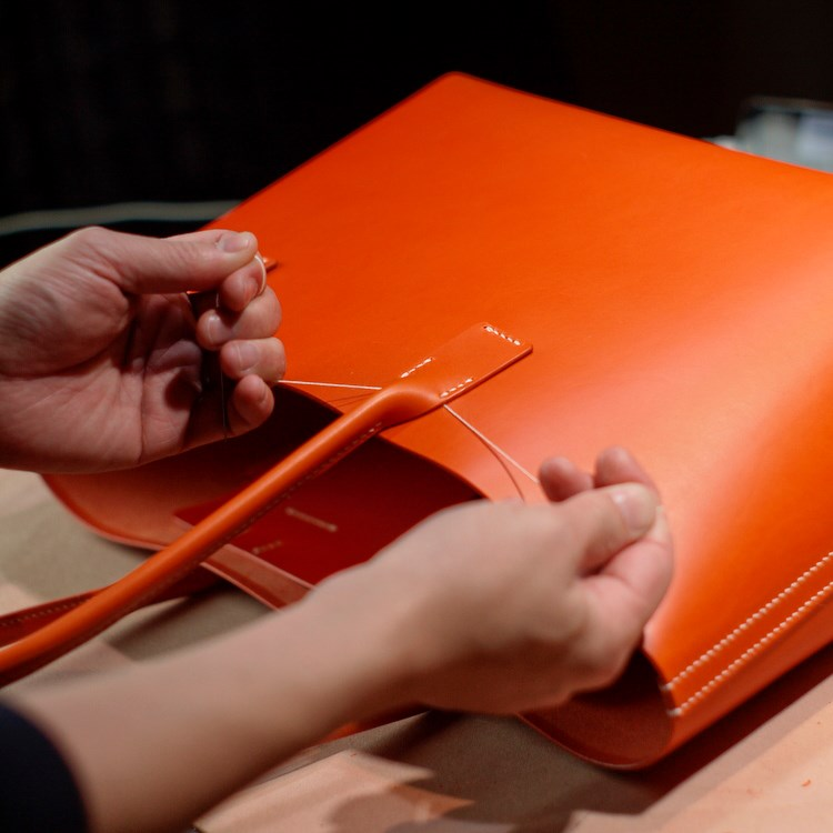 kumosha hand stitched leather tote bag