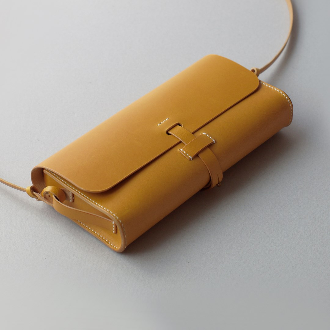"kumosha hand stitched leather shoulder bag ""mimi-tsuki"" yellow"