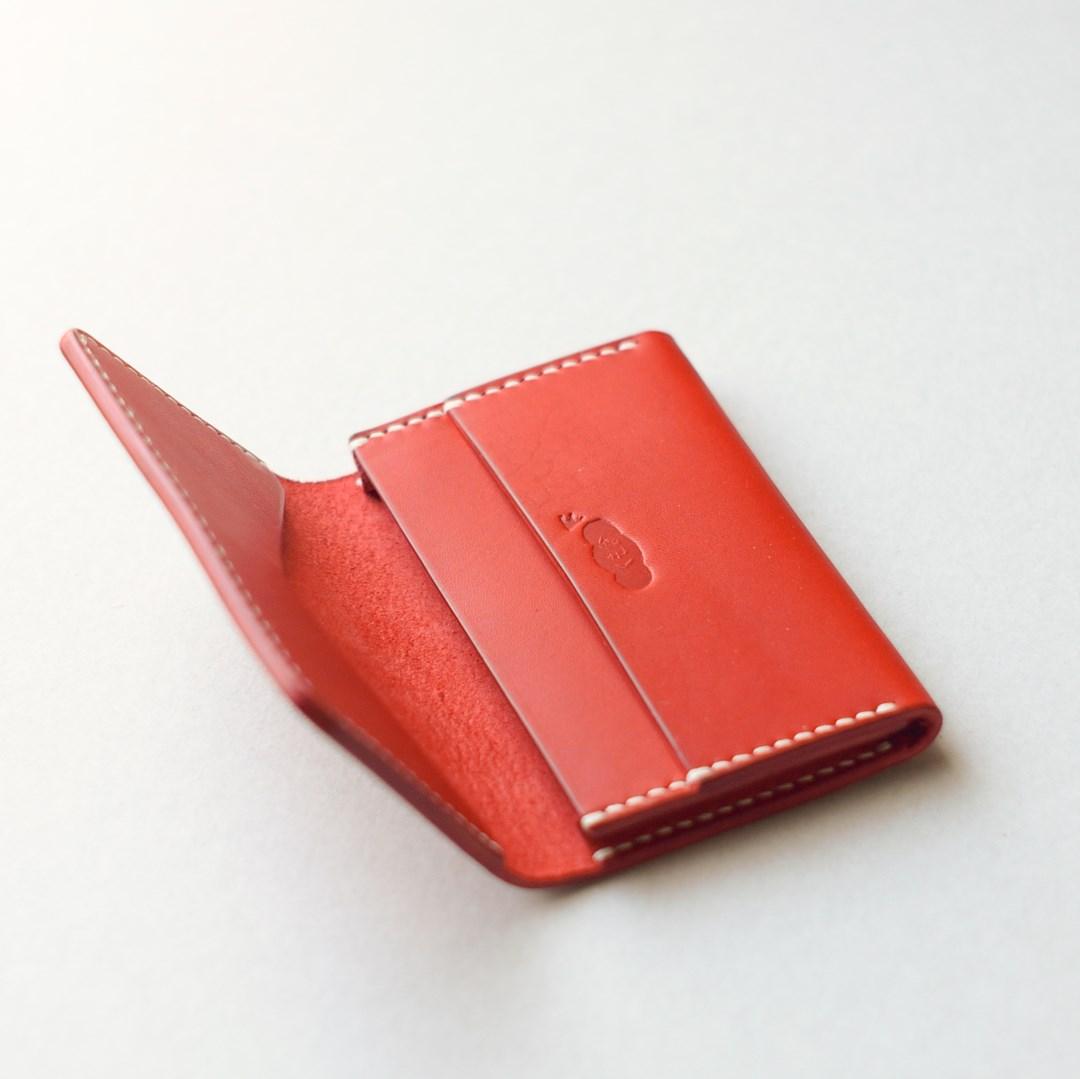kumosha hand stitched leather card case type 03 red