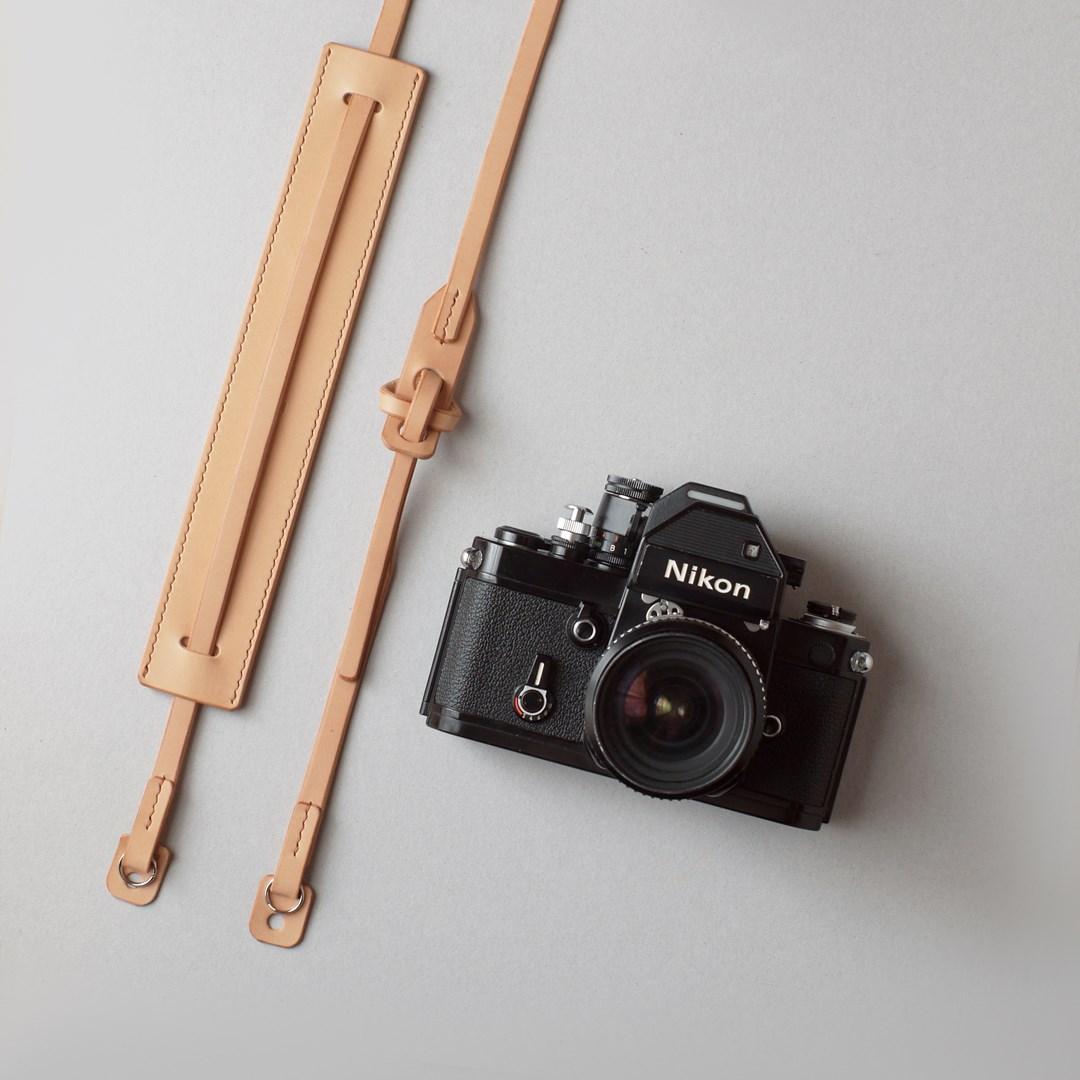 kumosha hand stitched leather camera strap type2