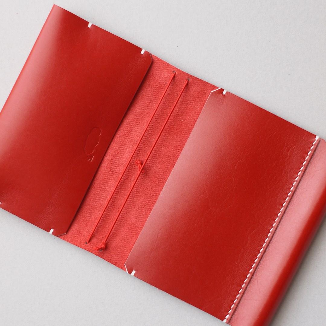 真っ赤なトラベラーズノートカバー1型パスポートサイズをつくる