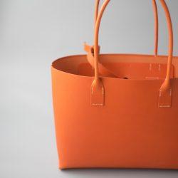 オレンジ色の手縫いトートバッグ2型が完成しました