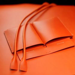 オレンジ色の手縫いトートバッグ2型をつくる(内ポケット)