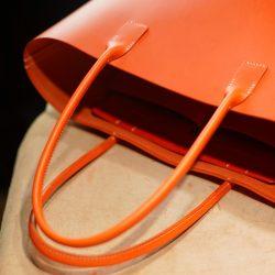 オレンジ色の手縫いトートバッグ2型をつくる(組立て)