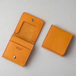 手縫いの黄色いコインケース2型をつくる