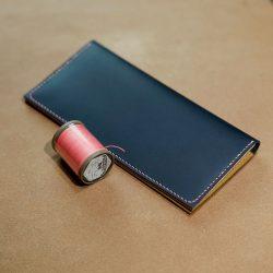 紺と生成りの長財布1型をつくる