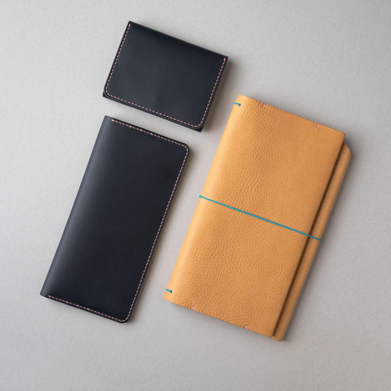 コインケース特注品と長財布1型とトラベラーズノートカバーが完成しました