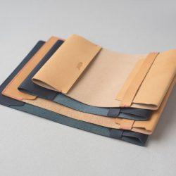 紺と生成りのブックカバー1型と2型をつくる