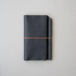 紺シボ革のほぼ日手帳カバーWEEKSサイズをつくる