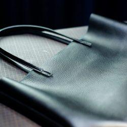 シボ革のトートバッグ業務型SLをつくる