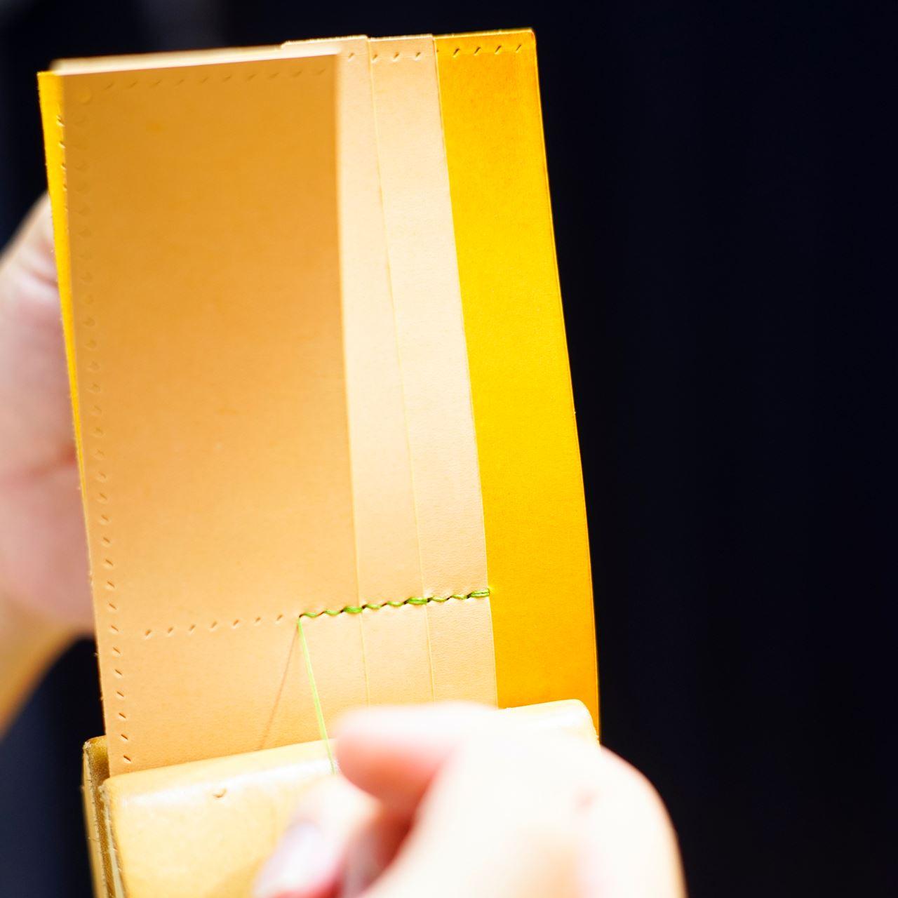 緑と黄と生成りの長財布2型をつくる
