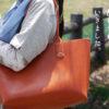 手縫いのヌメ革トートバッグを旅につれていきました